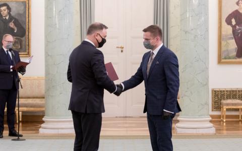 Prezydent RP wręczył nominacje profesorskie, serdeczne gratulacje dla prof. dra hab. inż. Roberta Czerniawskiego